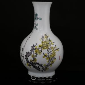 画家赵炳生陶瓷艺术作品中圣青玉瓷花瓶